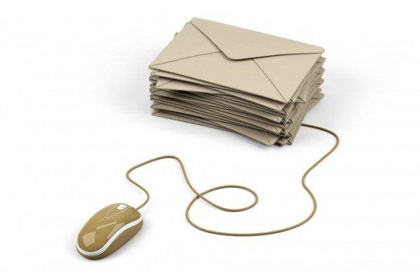 تلفیق شیوههای سنتی و الکترونیکی در ارسال کارت پستال نوروزی