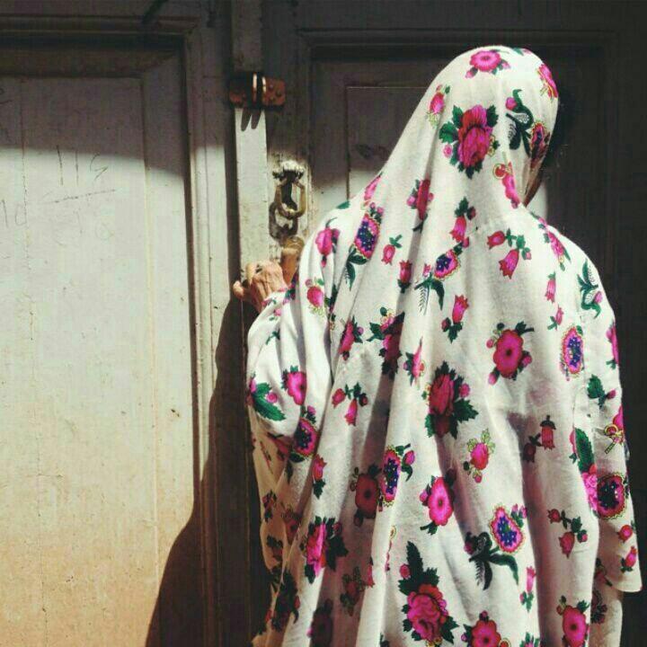 گلهای روی چادرت بانو چه غوغا می کند