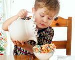 دانستنیهایی درباره غذای کمکی نوزاد